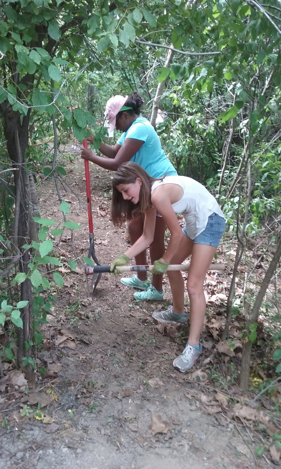Leading for Life girls - trail installation - July 2016 - 6